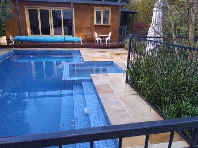 Pool cleaning Melbourne